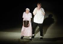 Нескоро каска сказывается: в Псковском драмтеатре поставили продолжение «Золушки»