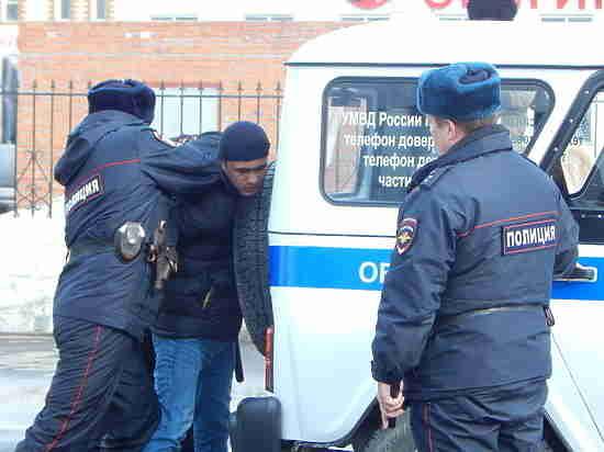 Тюменские полицейские проверяют законность уличного сбора средств в помощь больным детям